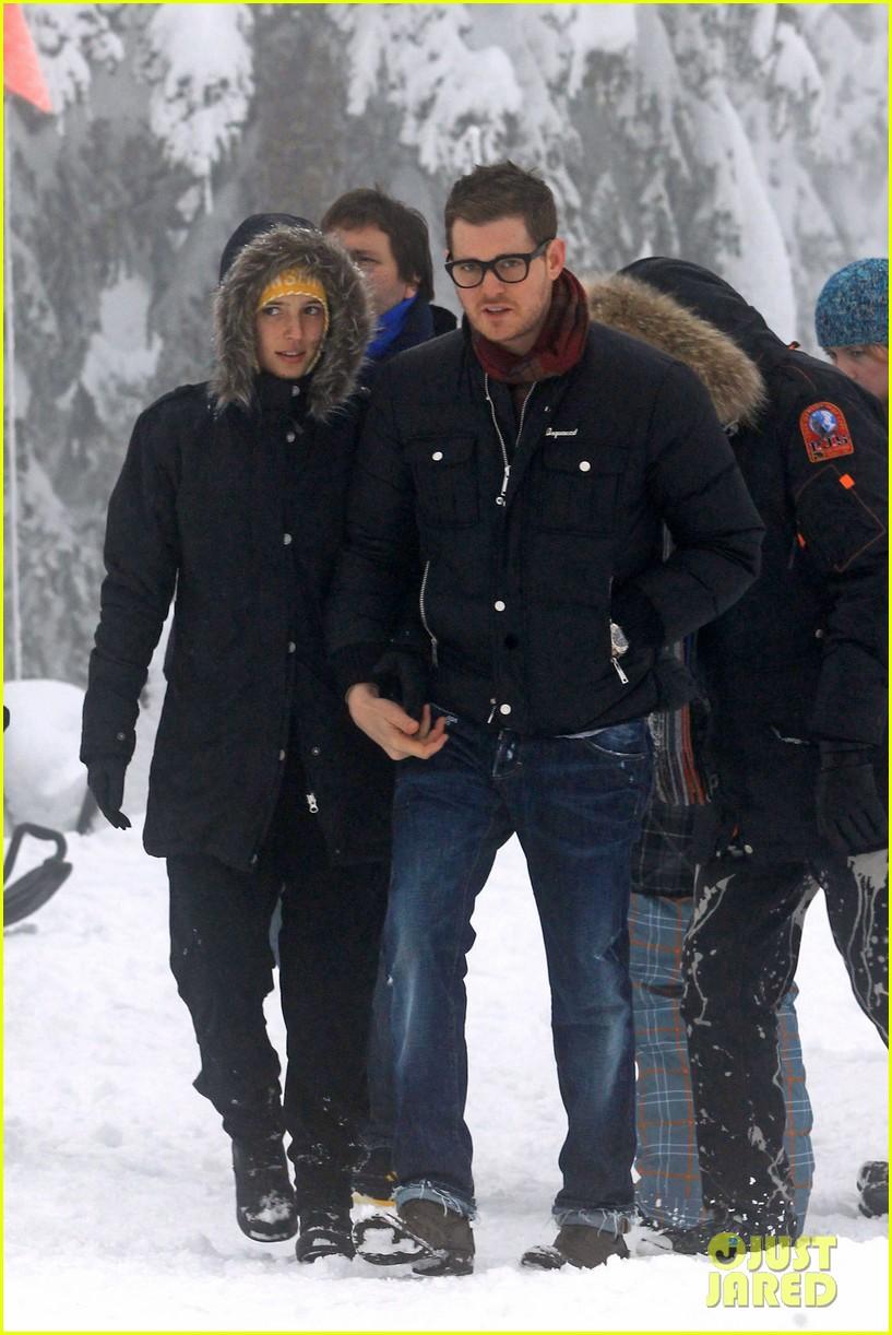 michael buble luisana lopilato snowy sweethearts 082781635