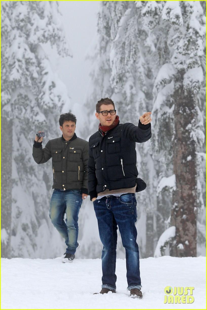 michael buble luisana lopilato snowy sweethearts 172781644