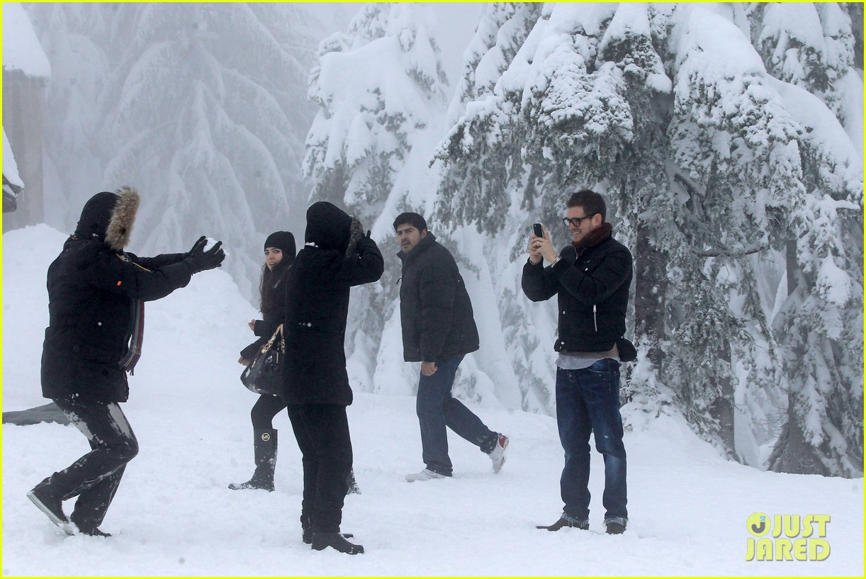 michael buble luisana lopilato snowy sweethearts 25