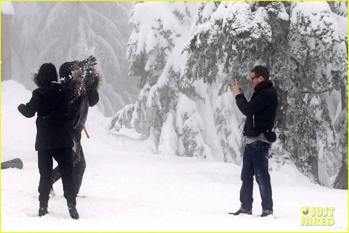 michael buble luisana lopilato snowy sweethearts 272781654