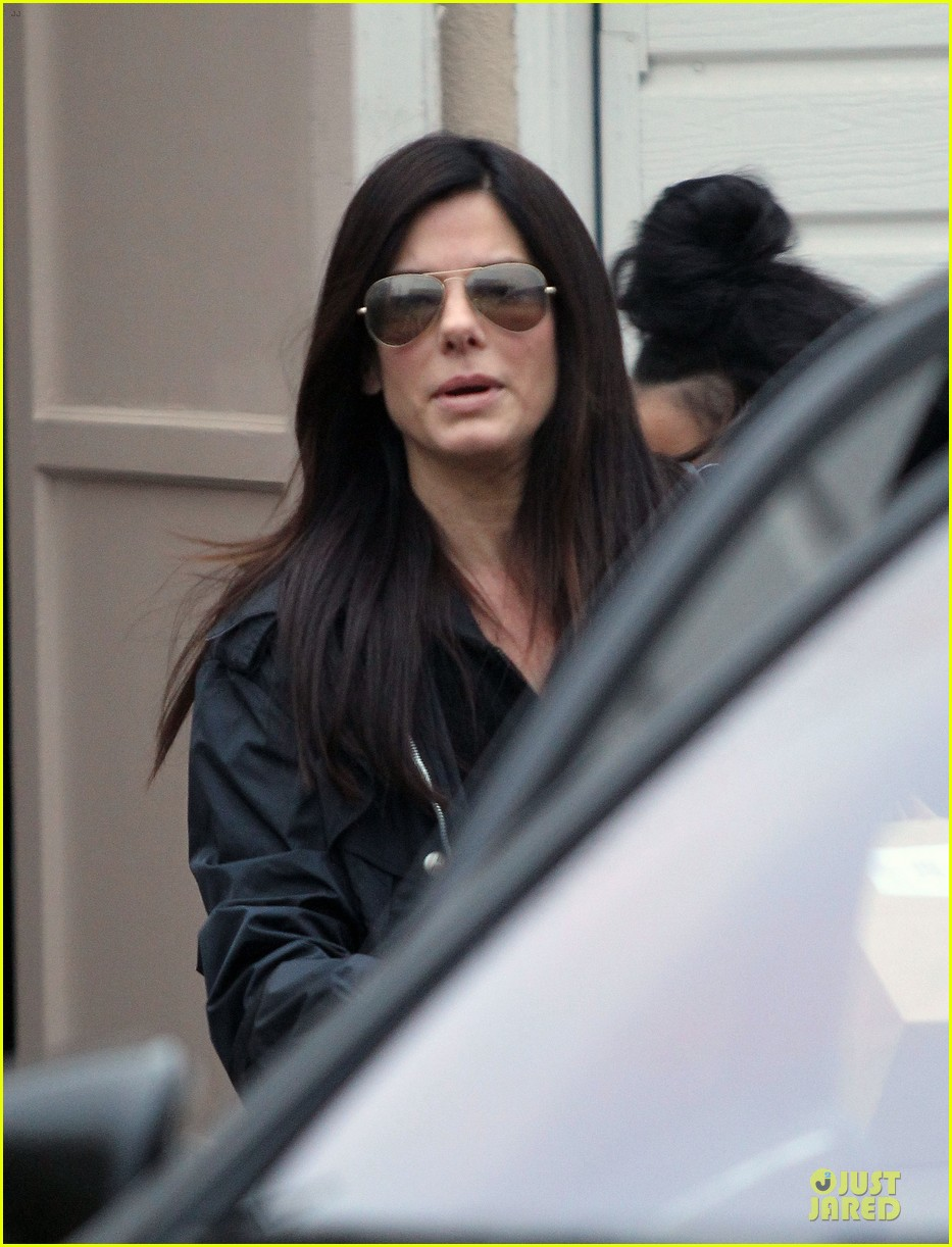 sandra bullock school drop off with rain boots 07