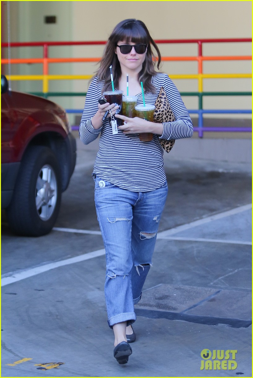sophia bush drink run 14