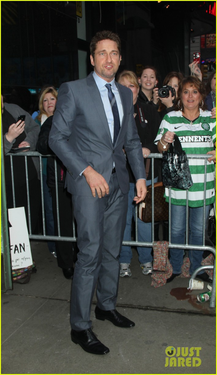gerard butler promotes playing for keeps on gma 05