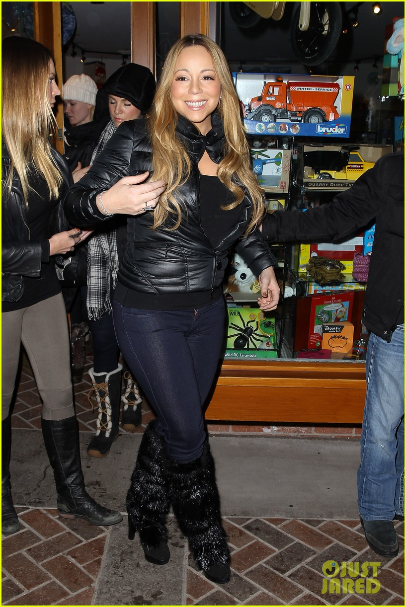 mariah carey im not letting anyone touch presents until christmas day 062780238