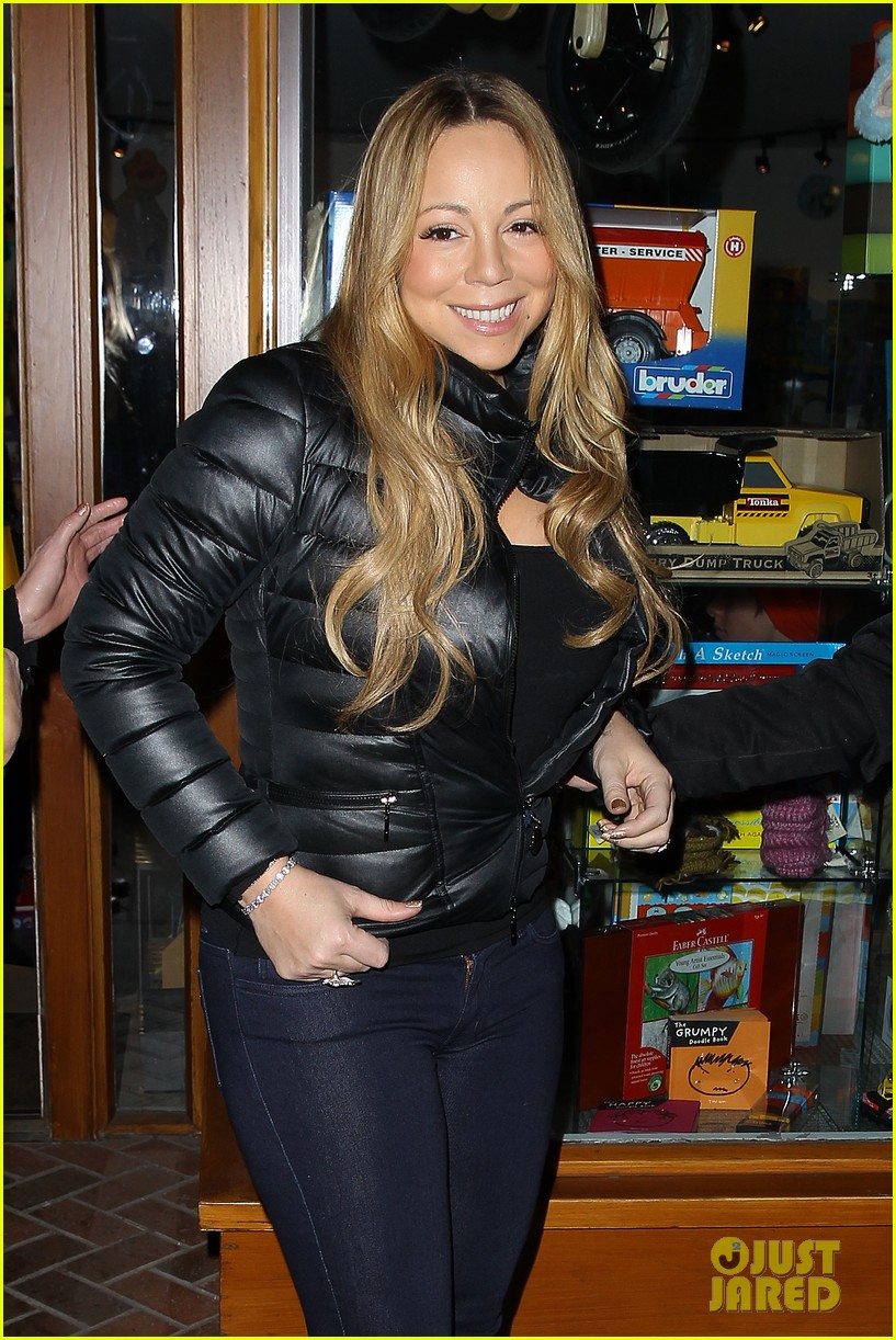 mariah carey im not letting anyone touch presents until christmas day 24