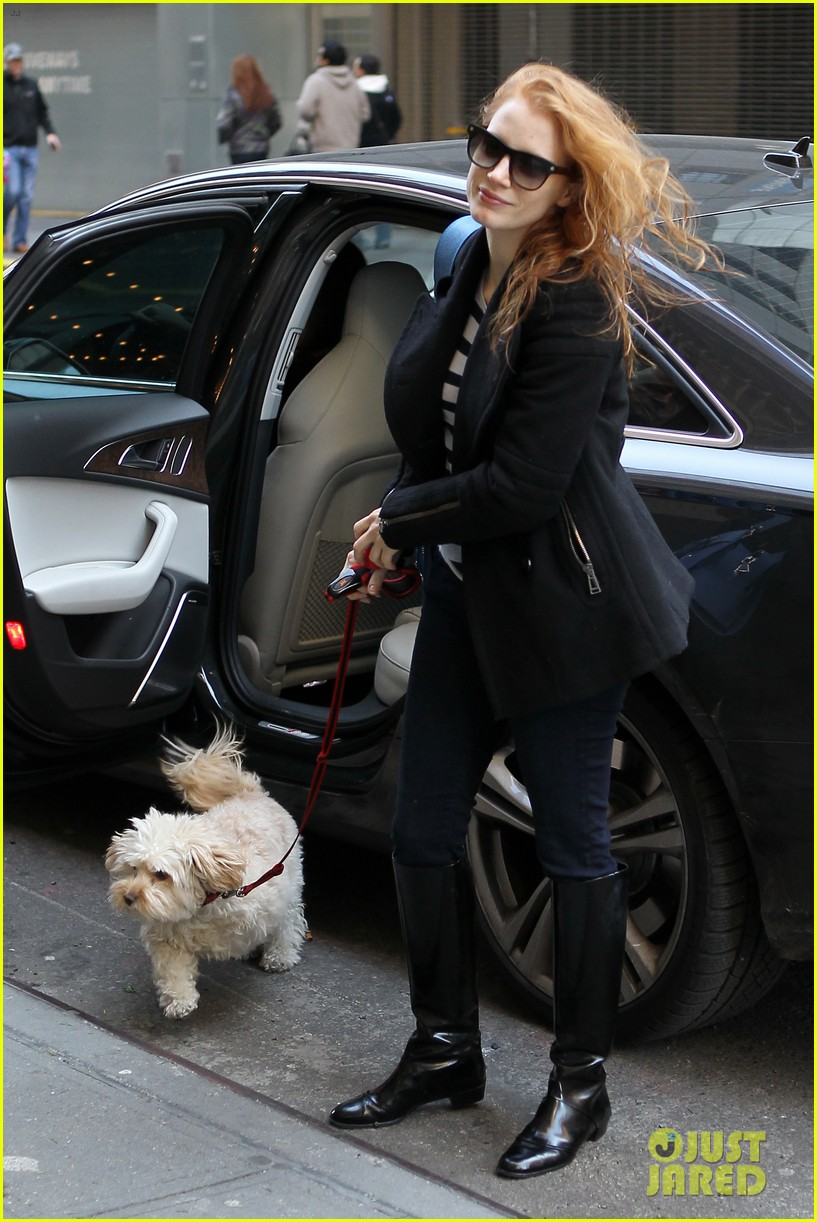 Photo of Jessica Chastain & her Dog