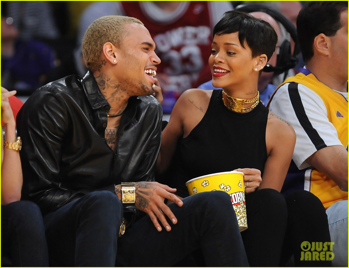 rihanna chris brown lakers christmas 06
