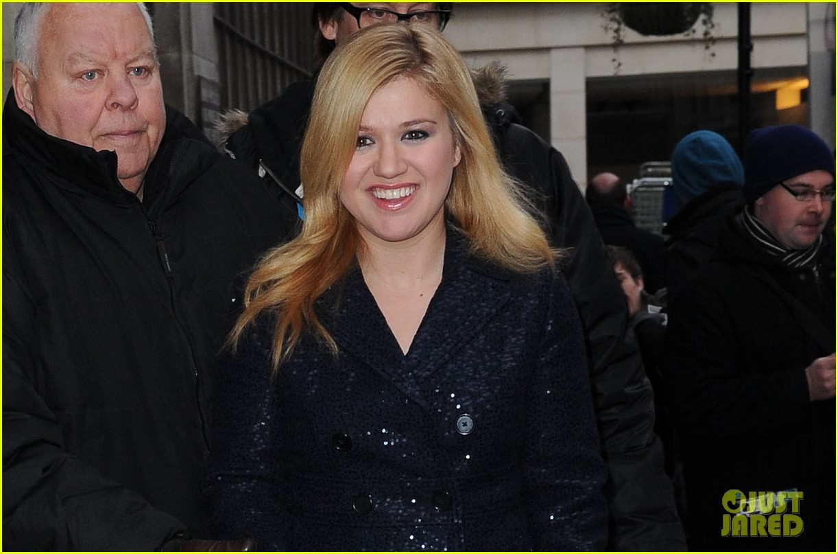 kelly clarkson four grammy nominations 032770406