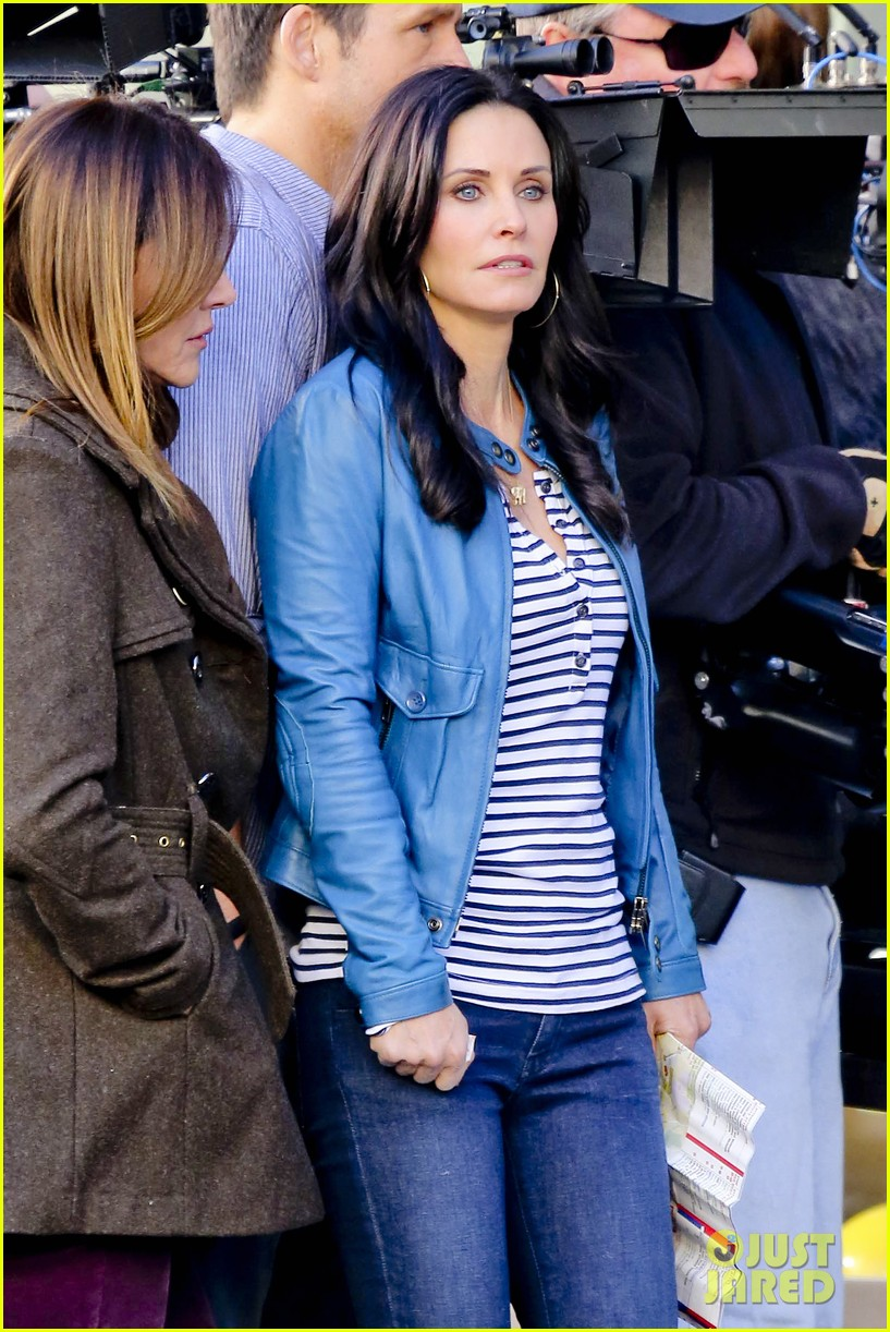 courteney cox back to work on cougar town 04