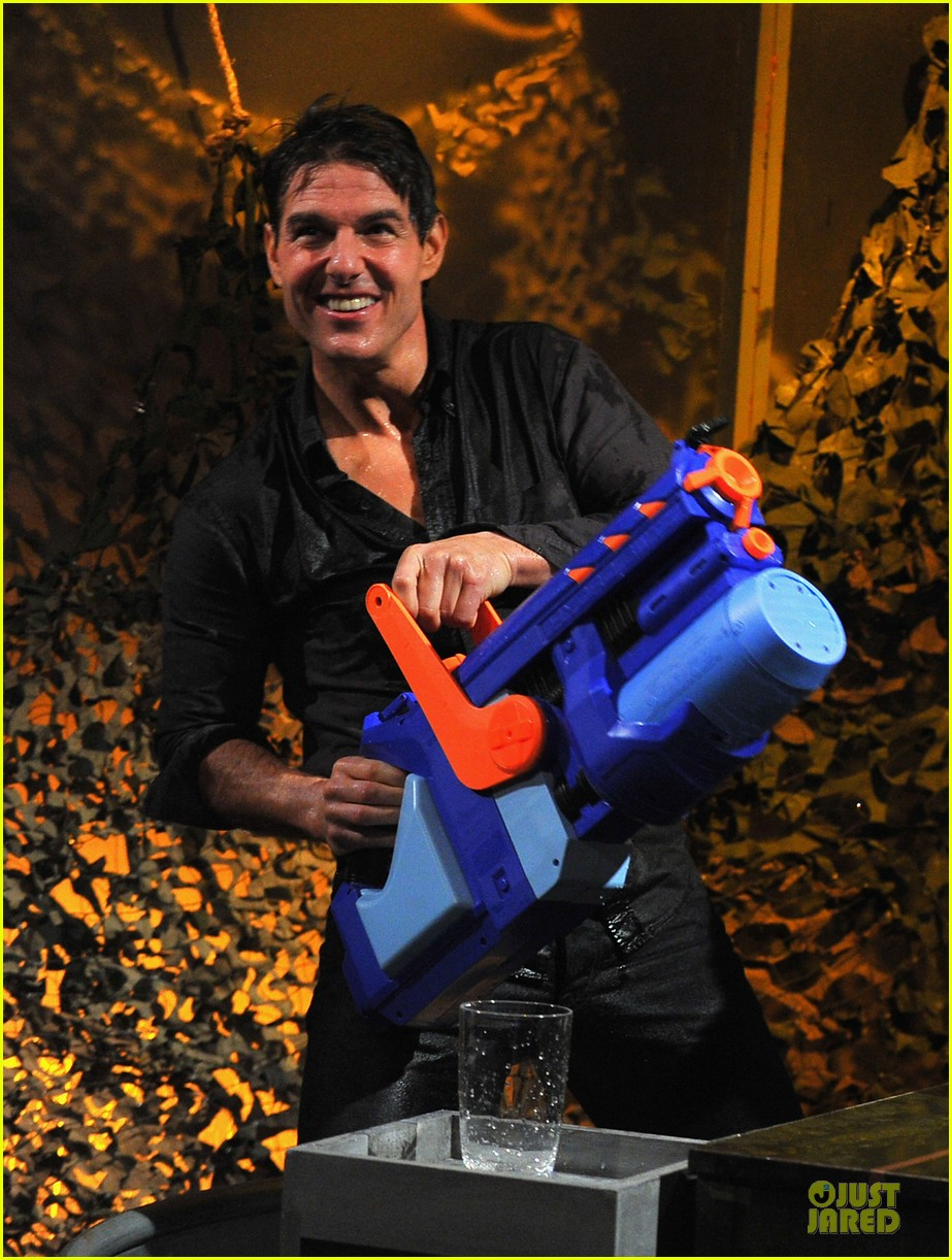 tom cruise water war with jimmy fallon 04