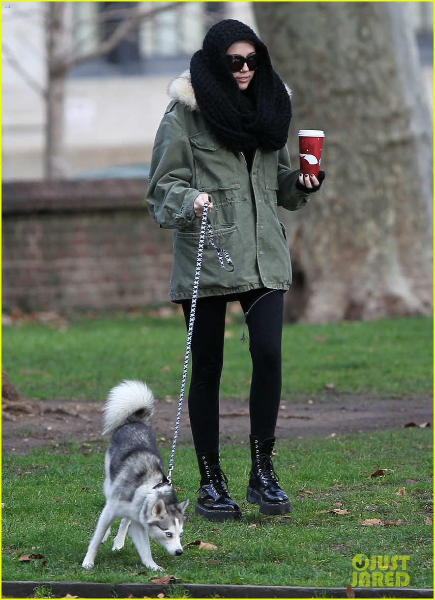 miley cyrus bundles up for philly dog walk 01