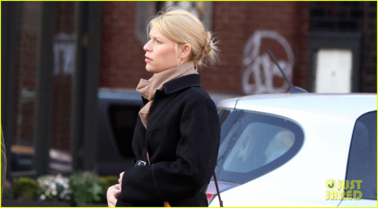 claire danes homeland receives three sag nominations 042774581