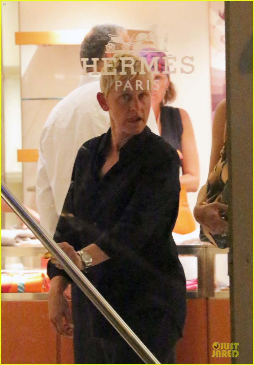 ellen degeneres & portia de rossi holiday jewelry shopping 09