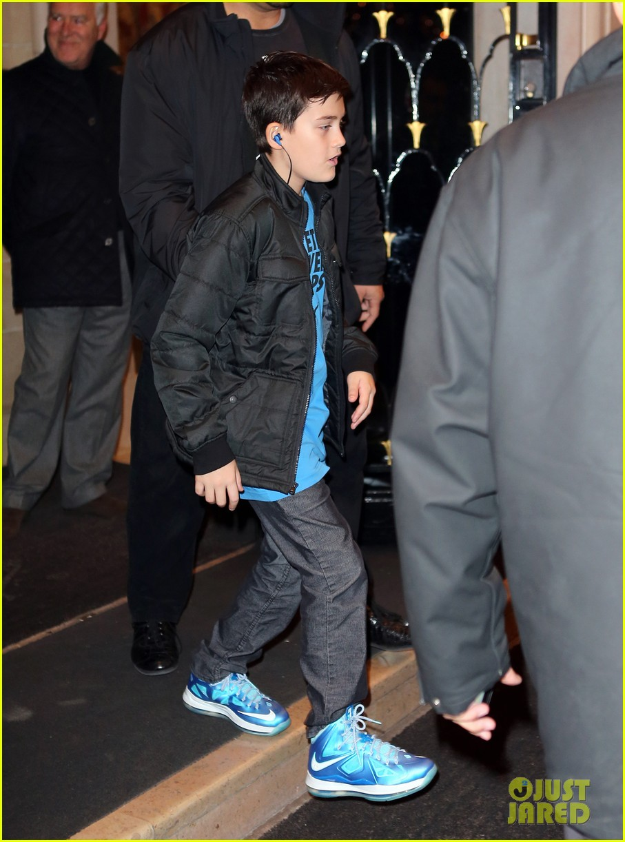 celine dion george v hotel exit with family 03
