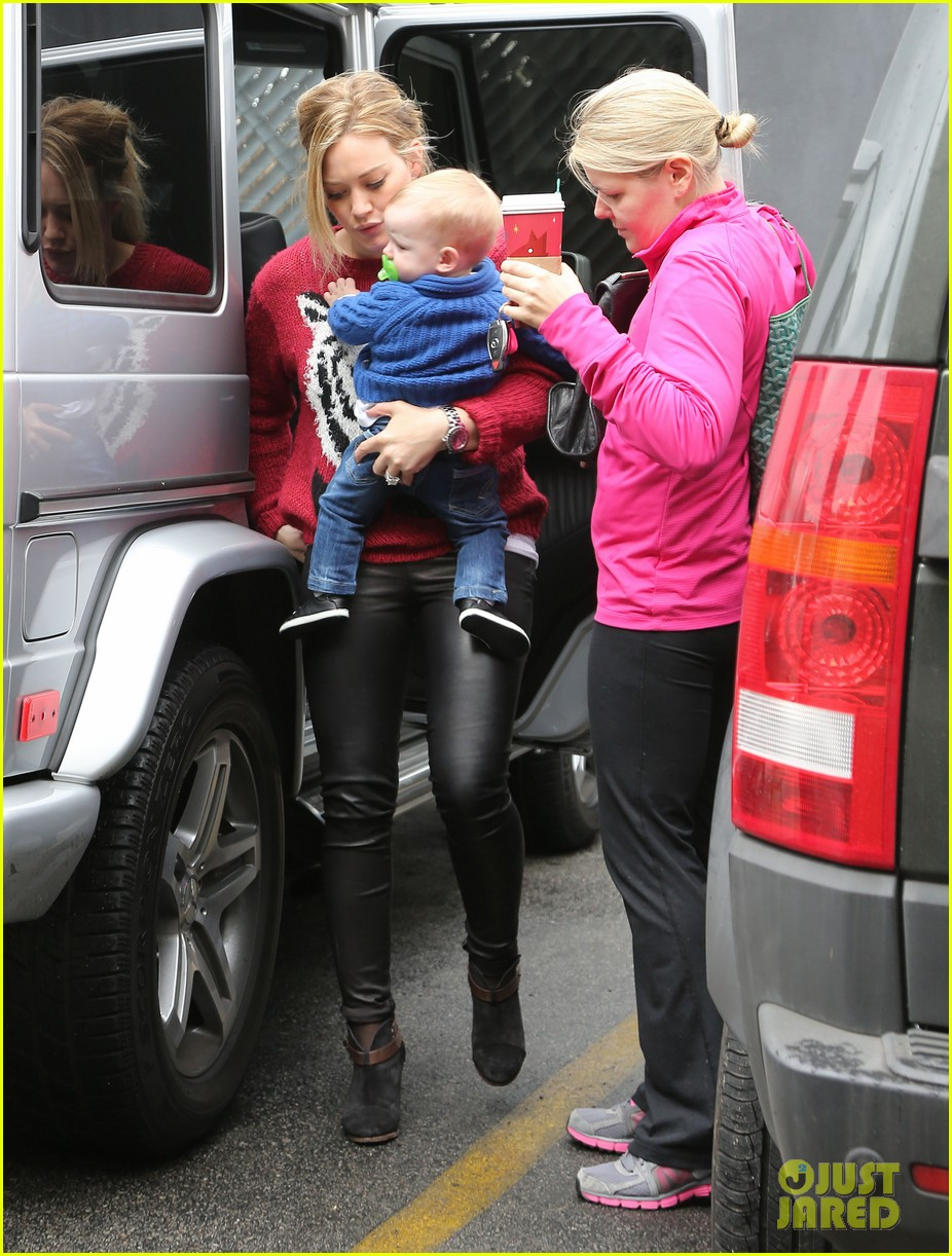 hilary duff babys first class with luca 112775326
