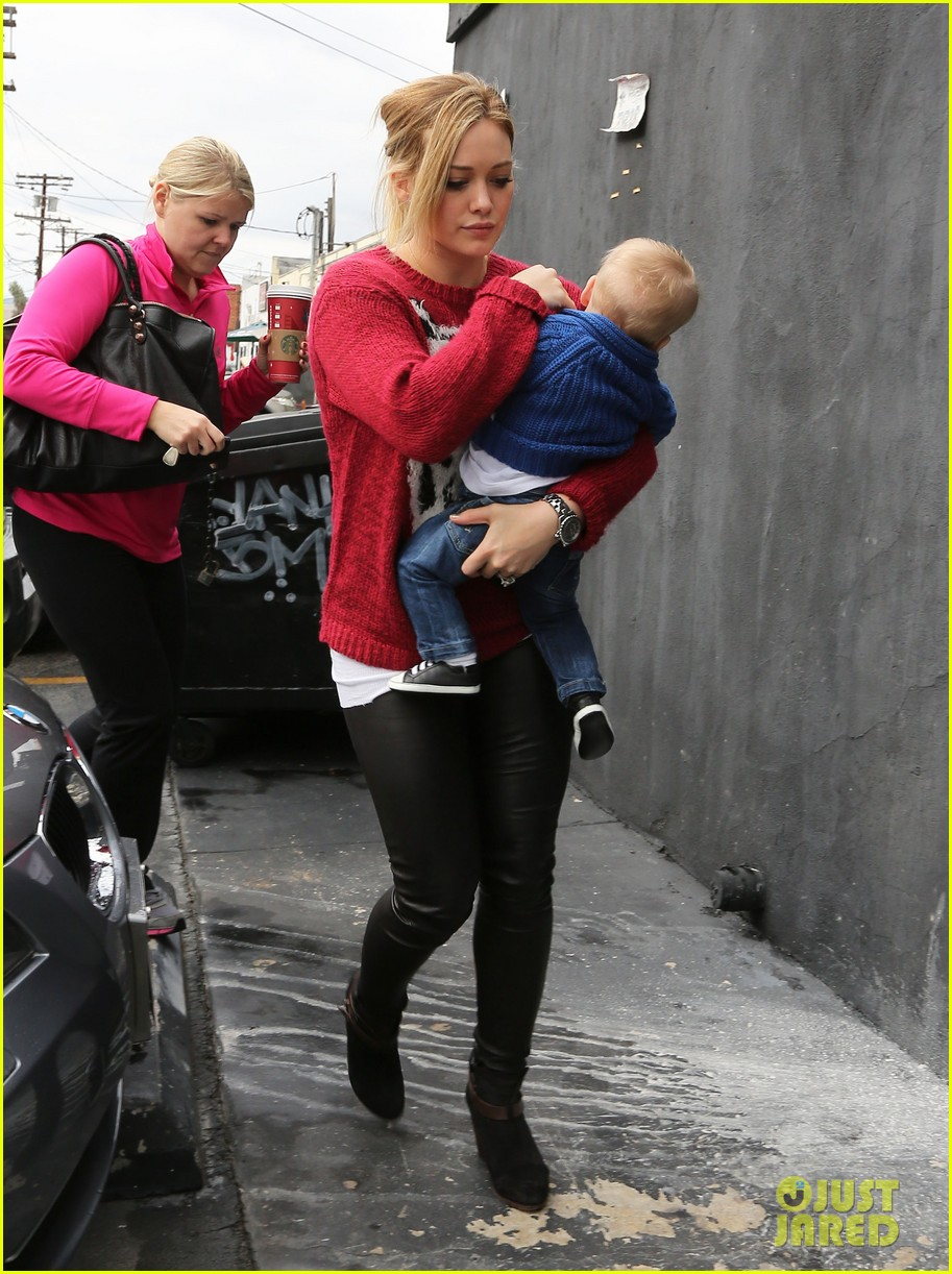hilary duff babys first class with luca 172775332
