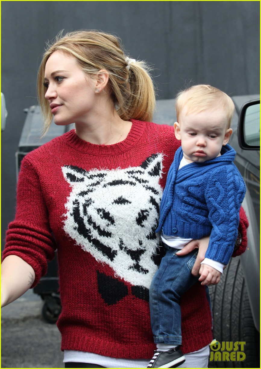 hilary duff babys first class with luca 292775344
