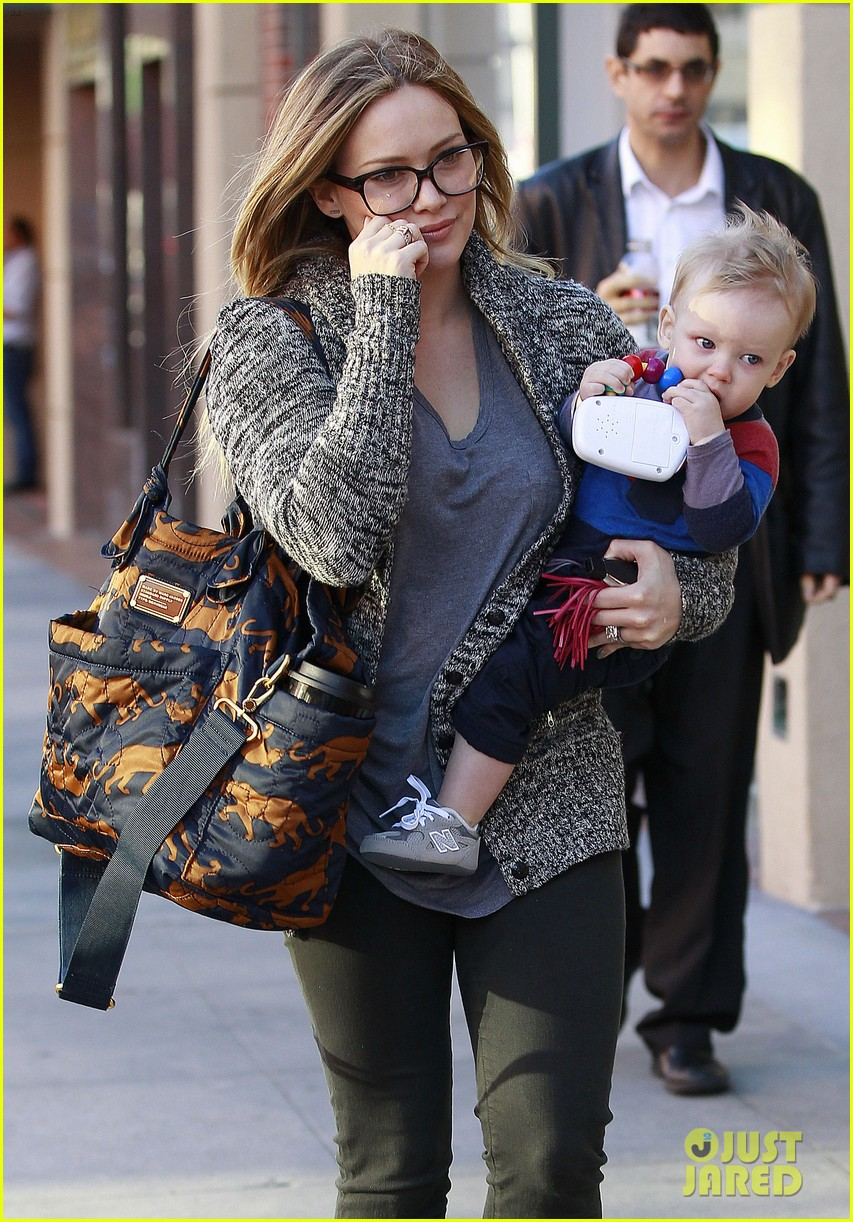 hilary duff doctors appointment with baby luca 03