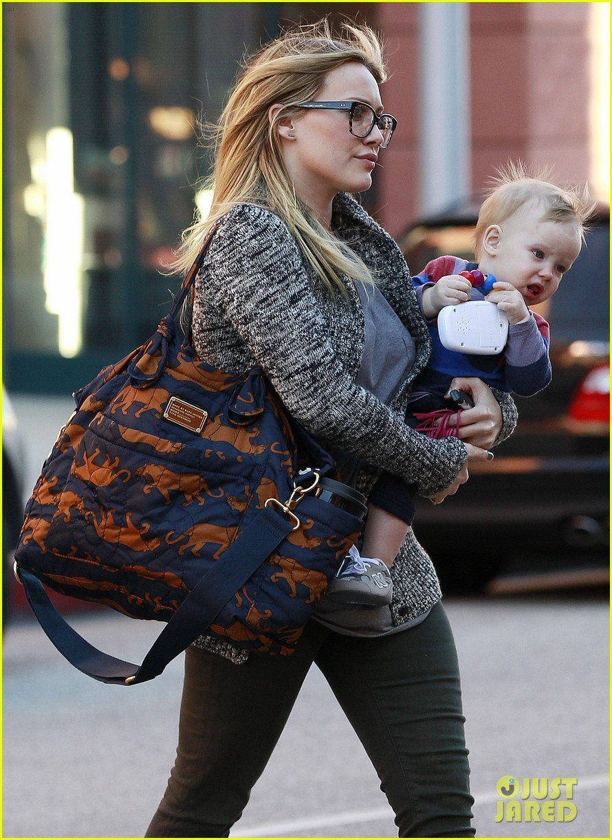 hilary duff doctors appointment with baby luca 04