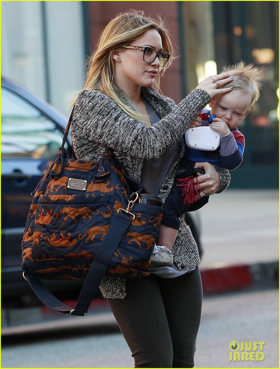 hilary duff doctors appointment with baby luca 08