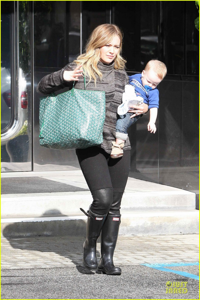 hilary duff shares moments with her little dogs 07