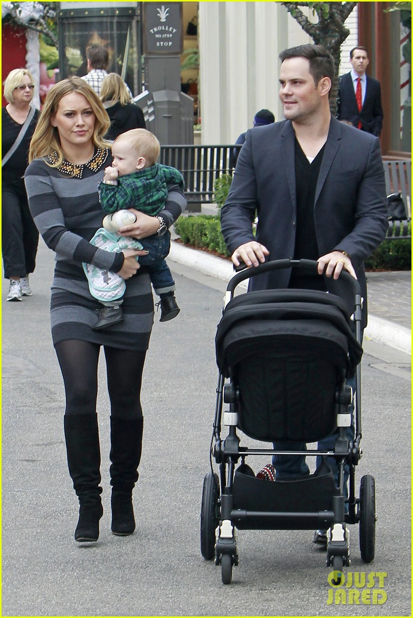 hilary duff mike comrie family fun day with luca 01