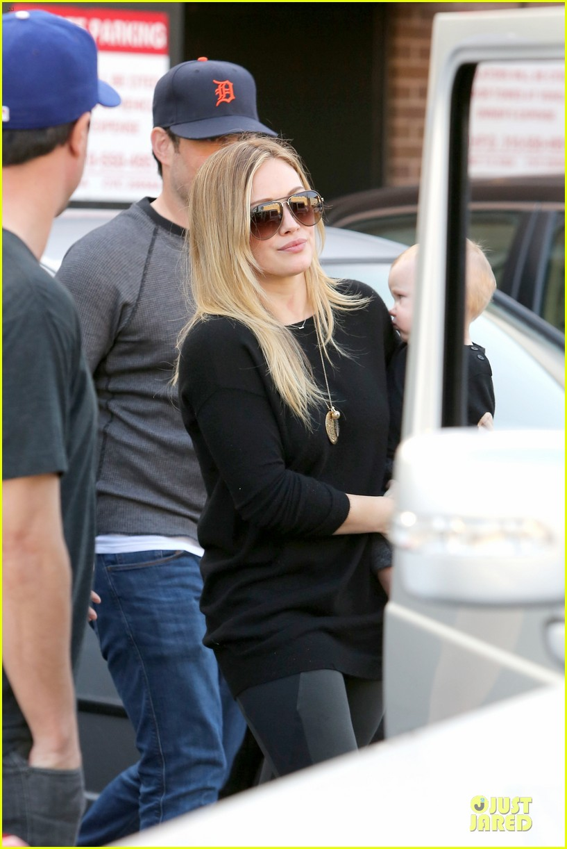 hilary duff matching outfit for lunch 19