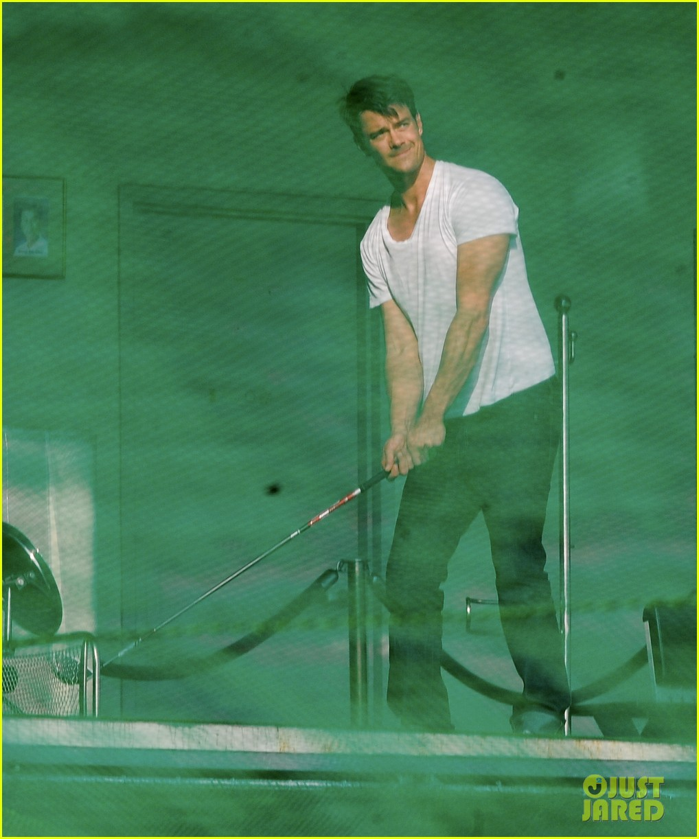 josh duhamel practices golf swing on youre not you set 02
