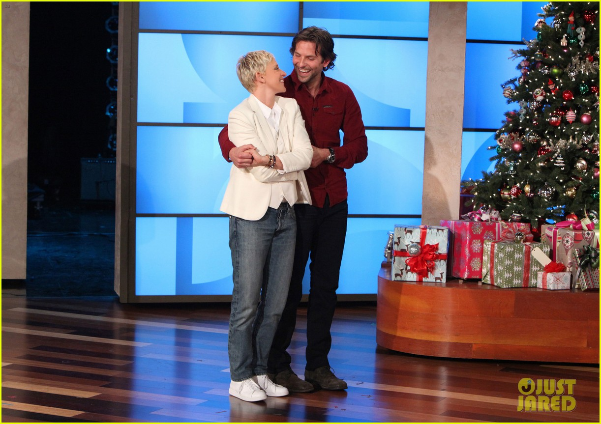 ellen degeneres dedicates show to newtown shooting victims 02