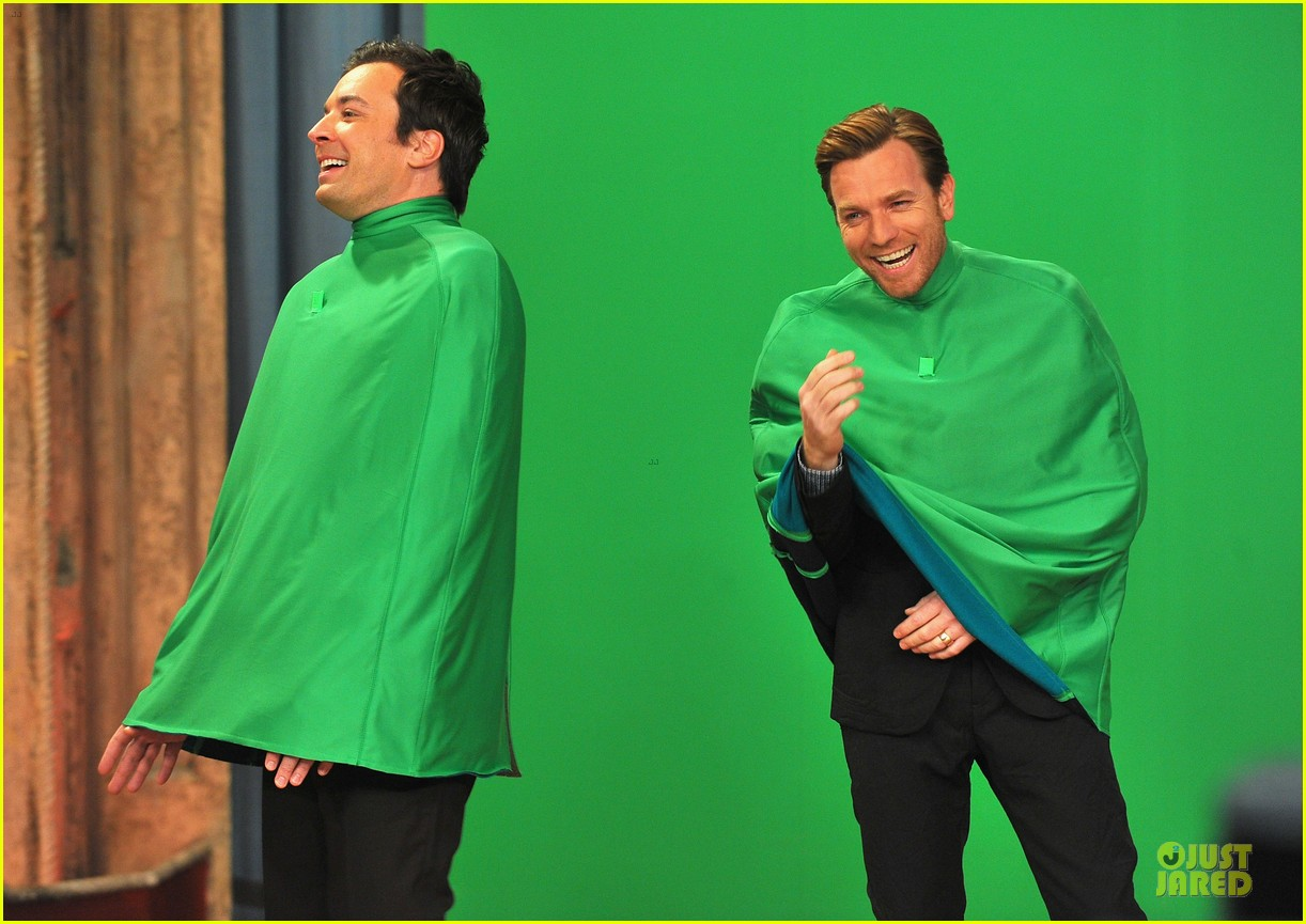 ewan mcgregor green screen fun with jimmy fallon 032777531