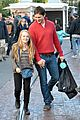 peter facinelli christmas eve shopping with lola 07