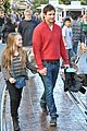 peter facinelli christmas eve shopping with lola 08