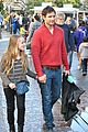 peter facinelli christmas eve shopping with lola 10