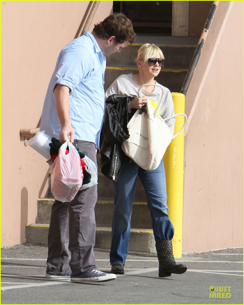 anna faris & chris pratt rite aide shopping couple 10