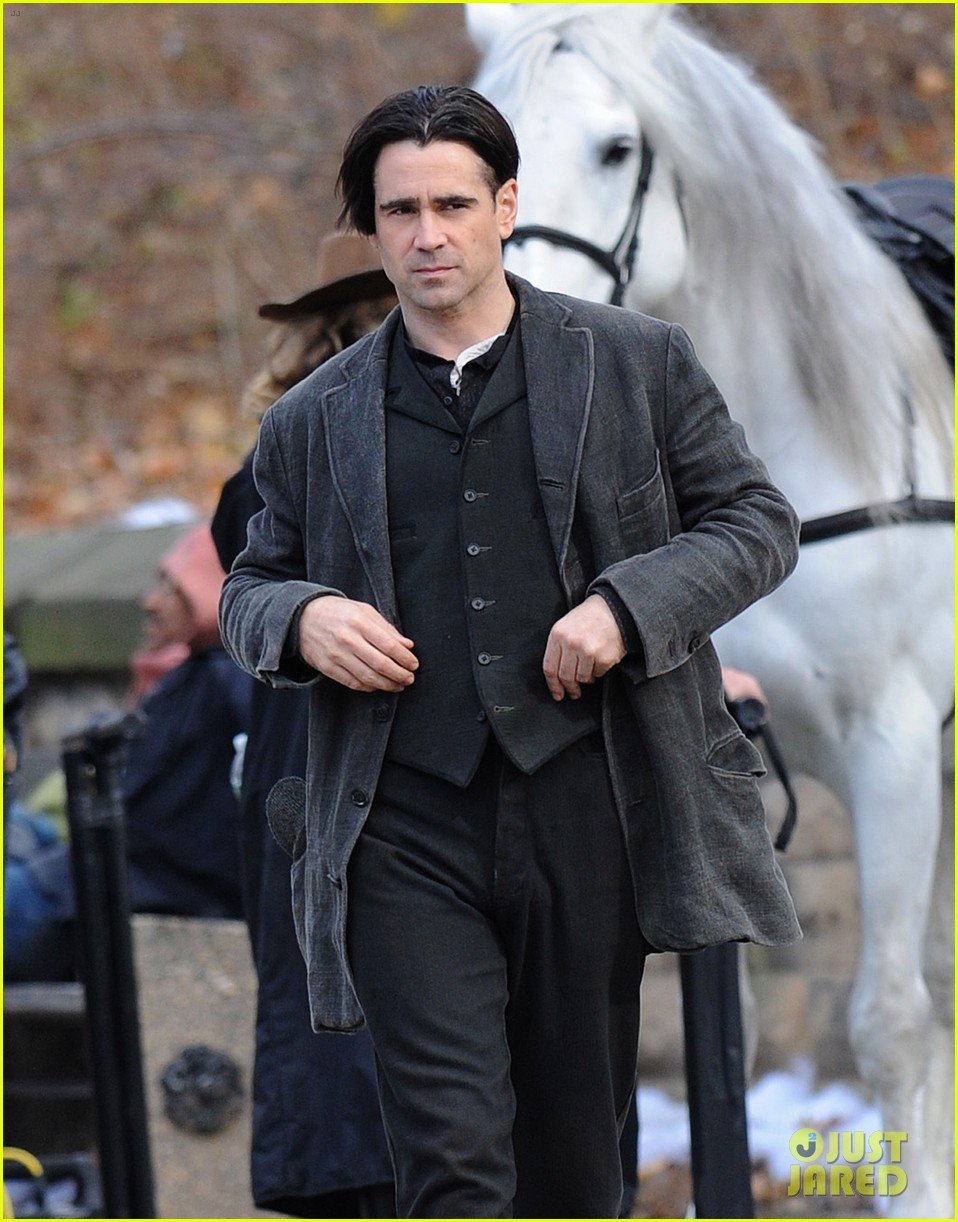 colin farrell horseback riding 01