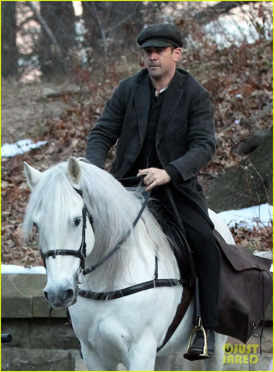 colin farrell horseback riding 04