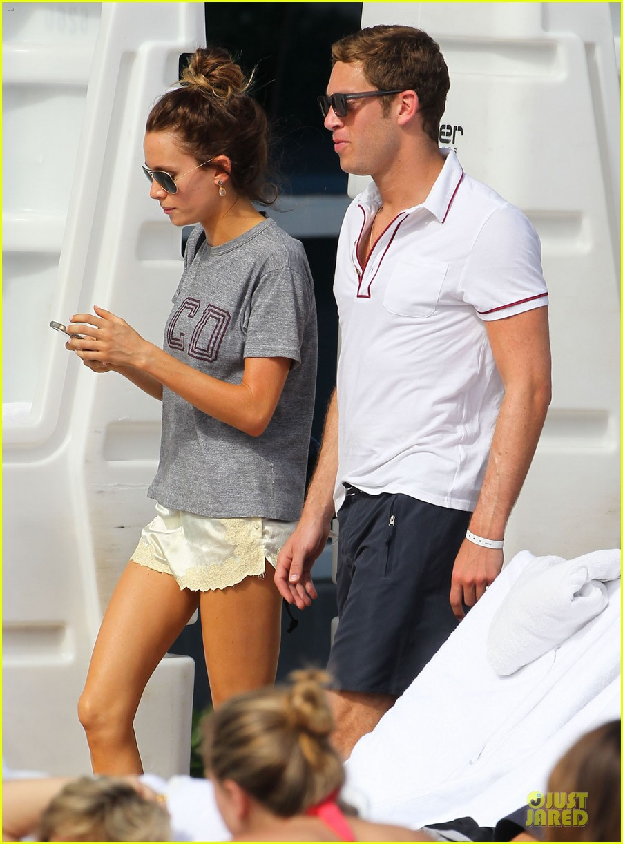 tom felton poolside with jade olivia 102782146
