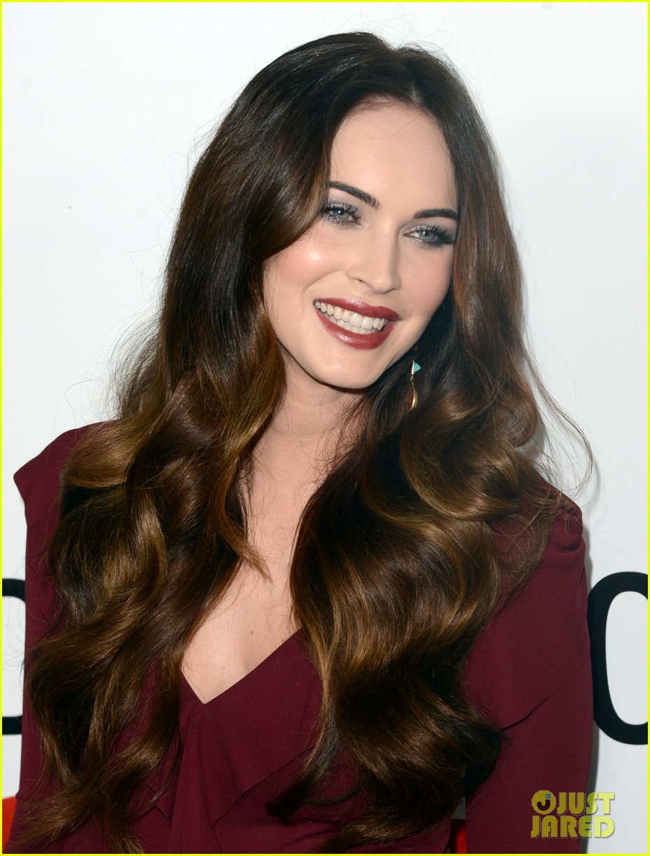megan fox this is 40 premiere paul rudd 02