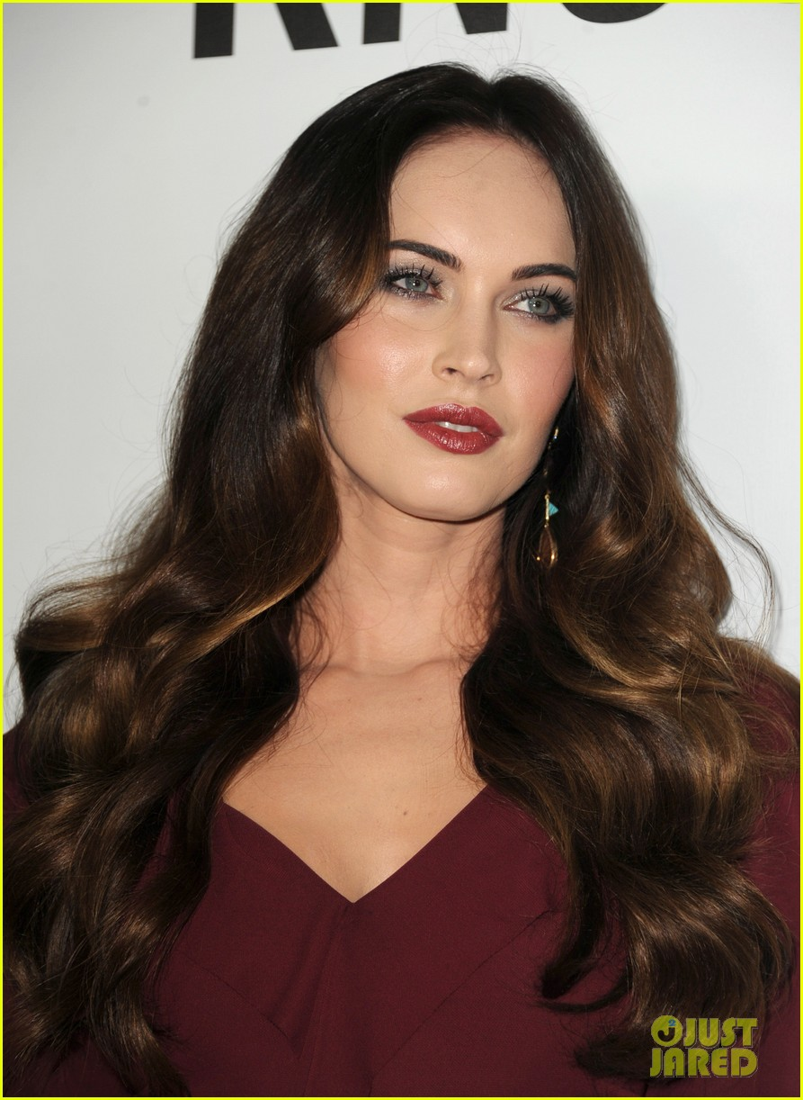megan fox this is 40 premiere paul rudd 25