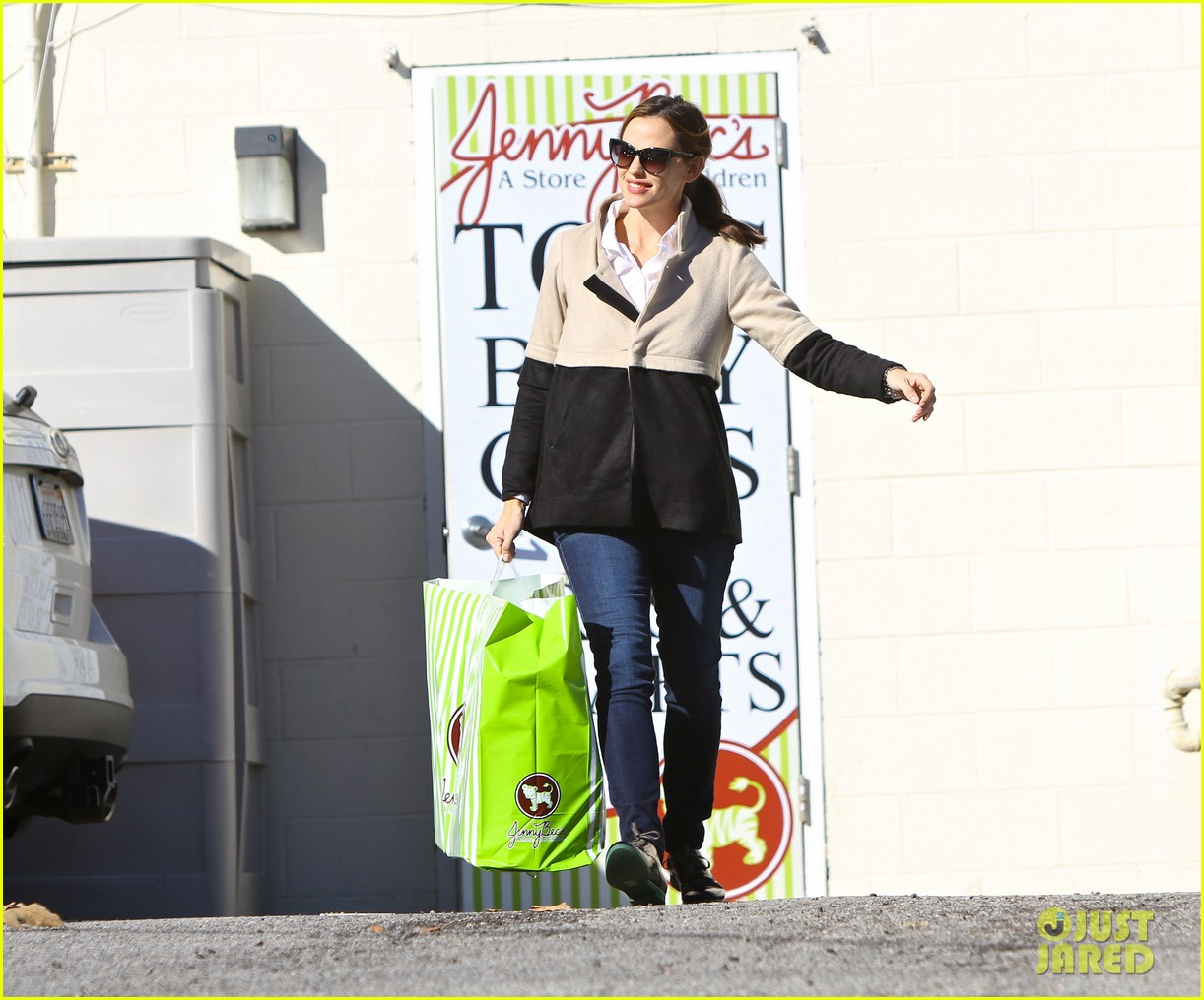 jennifer garner shopping with samuel 03