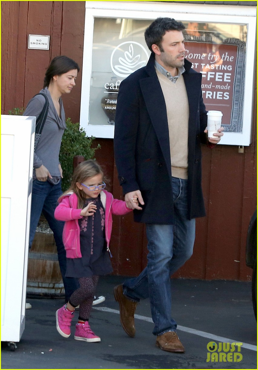 jennifer garner ben affleck separate morning coffee runs 13