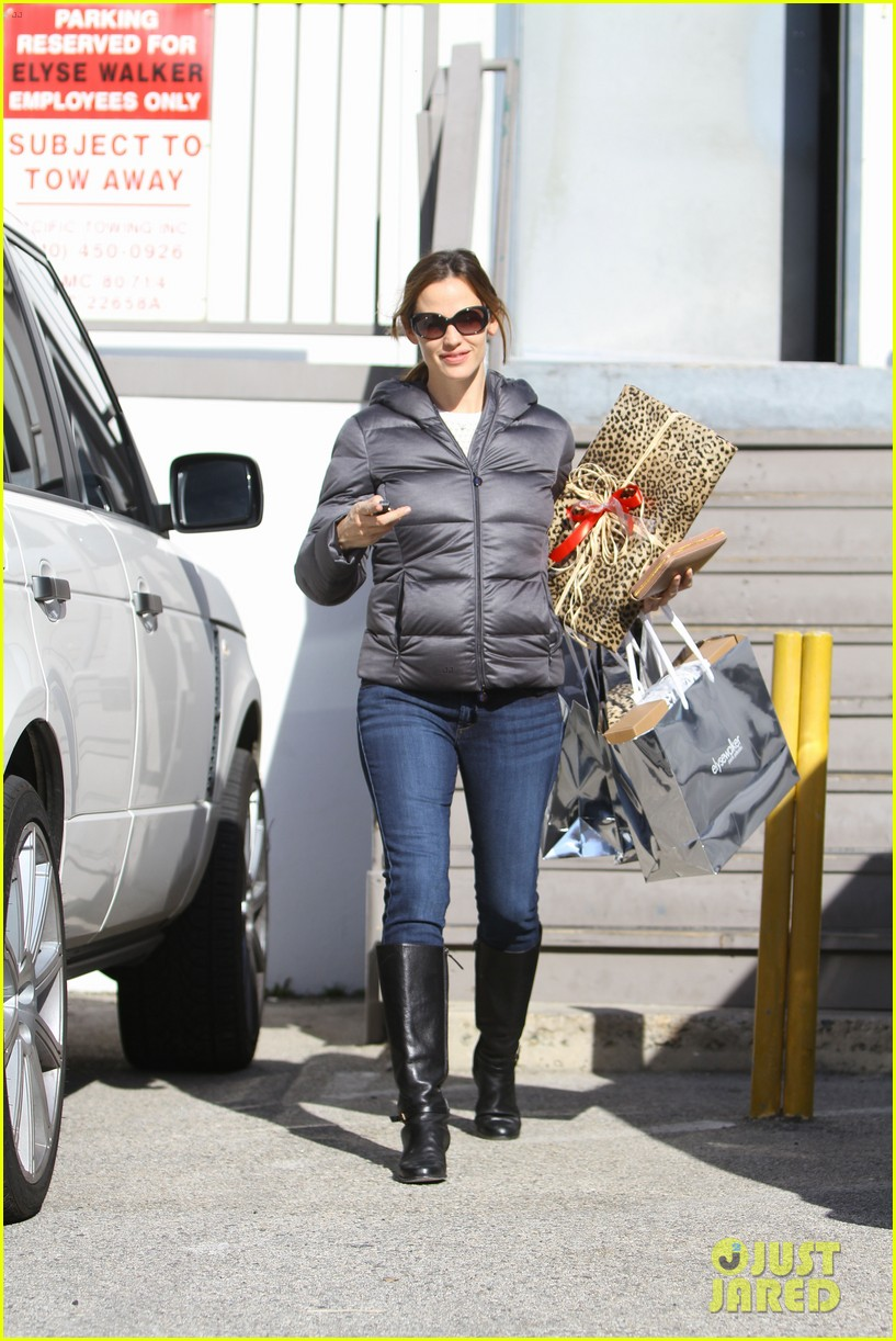 jennifer garner ready for christmas 082779312