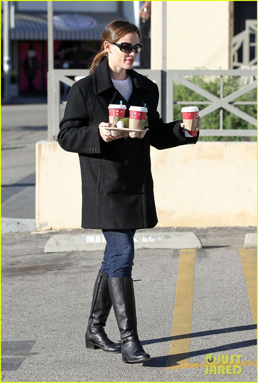 jennifer garner ready for christmas 16
