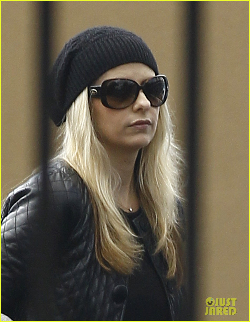 sarah michelle gellar la errands gal 022770052