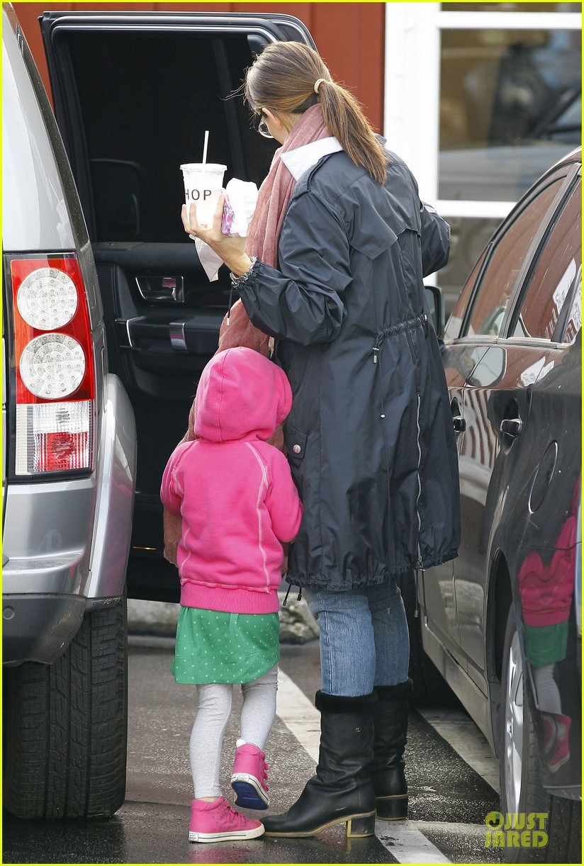 jennifer garner & seraphina eyeglasses wearing duo 162777755
