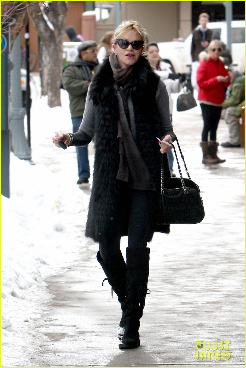 melanie griffith winter chic in aspen 01