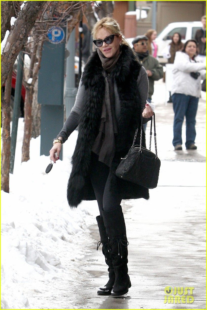 melanie griffith winter chic in aspen 042781323