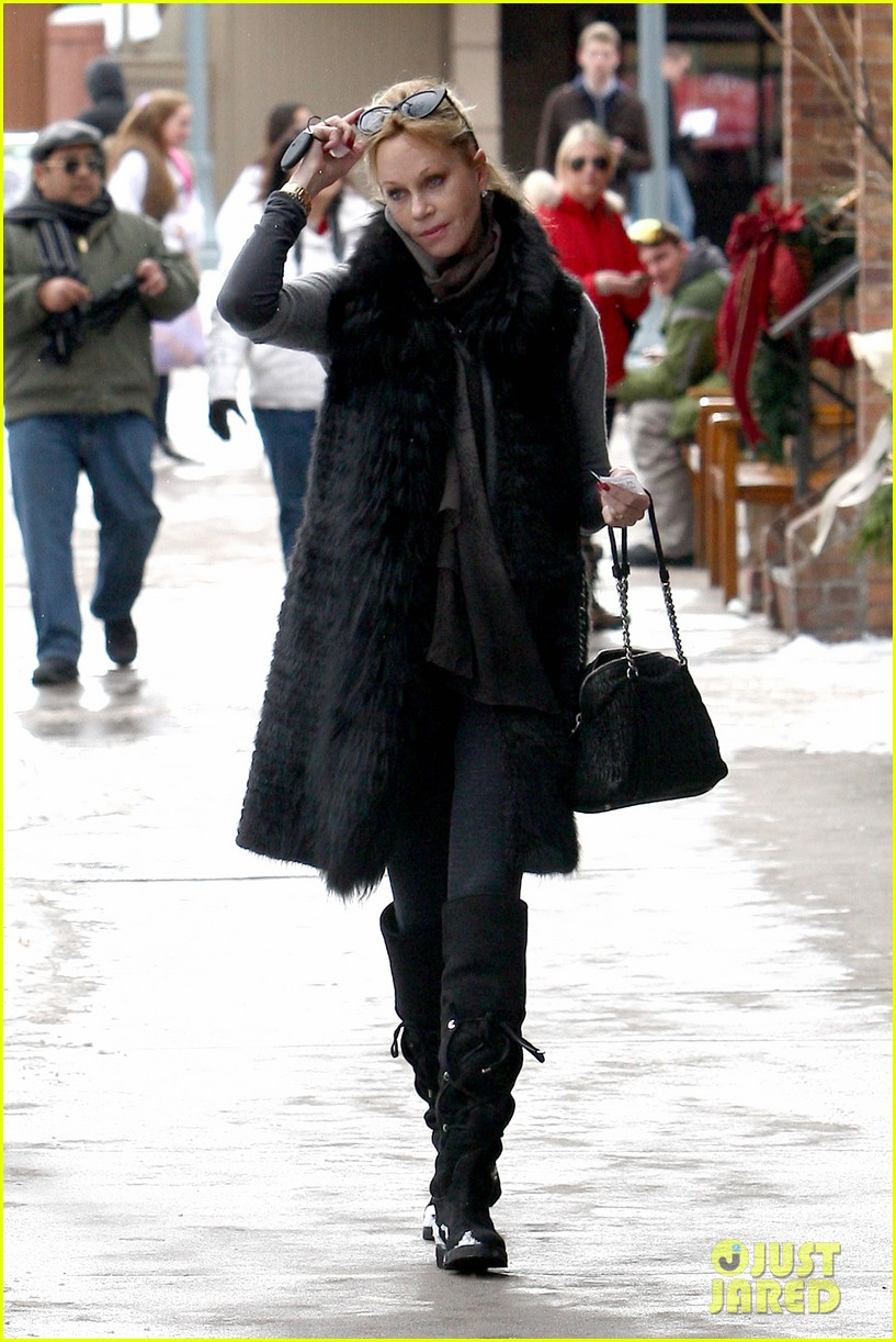 melanie griffith winter chic in aspen 08