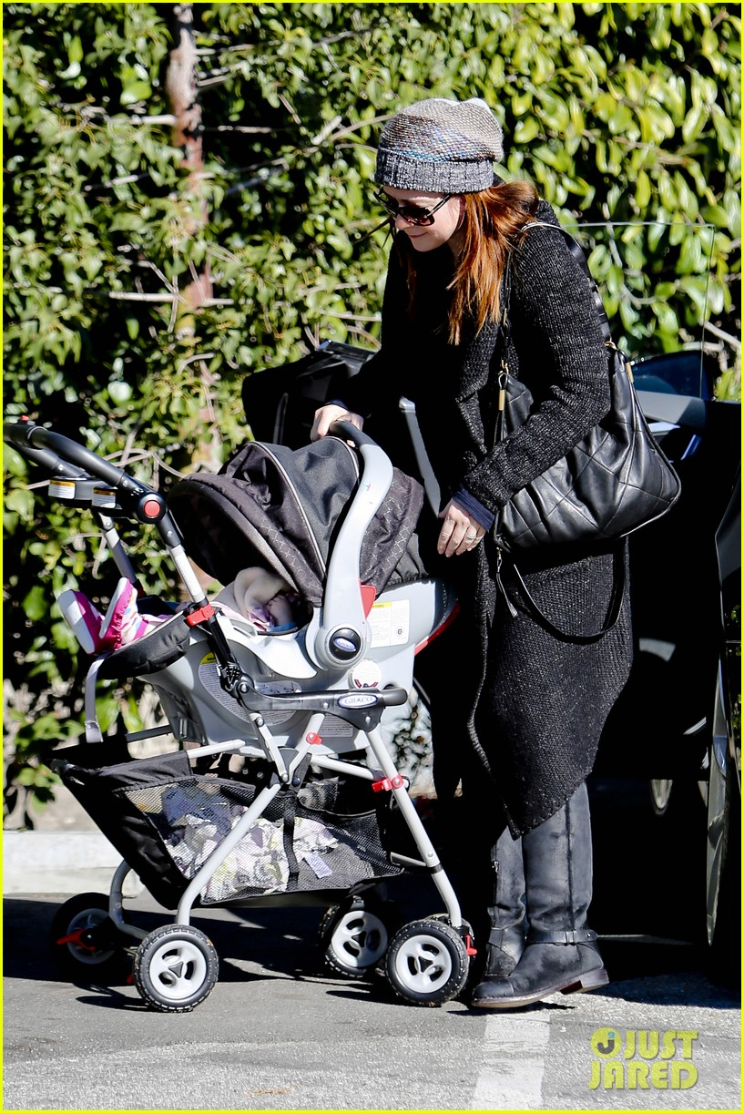 alyson hannigan family day out 112781582
