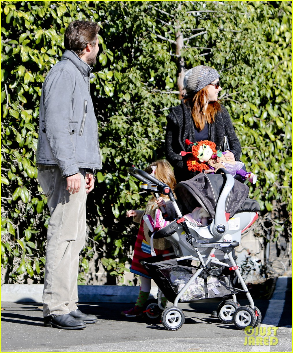 alyson hannigan family day out 17